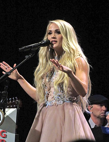 Carrie Underwood performing at the Grad Ole Opry in Nashville, Tennessee last year. (photo: darkgypsies and Wikipedia)