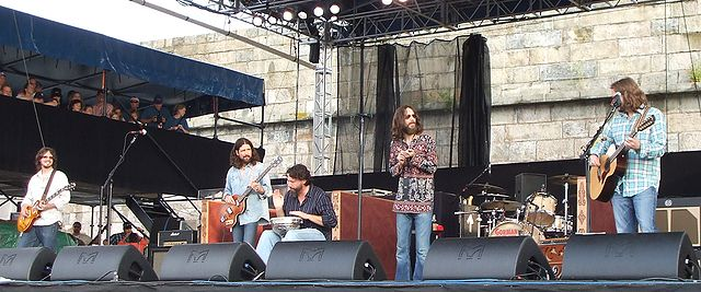 The Black Crowes performing at the Newport Folk Festival in 2008. (photo: DickClarkMises and Wikipedia).