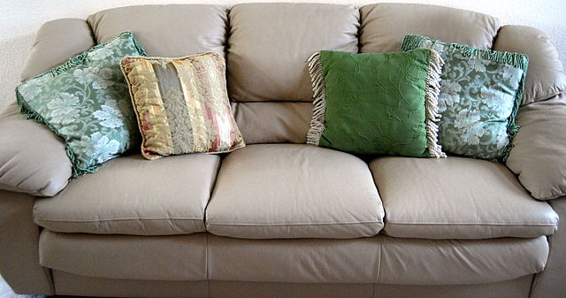 A very comfortable-looking couch. (photo: Fastly and Wikipedia)