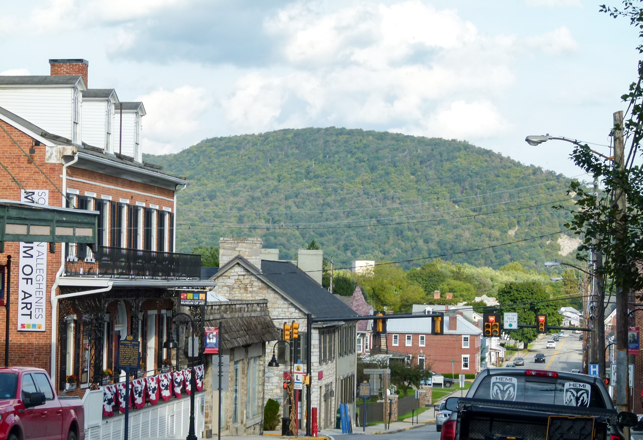 The town of Bedford is nestled in the mountains.