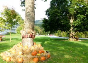 The front lawn of the Bedford Springs Resort decorated for fall.
