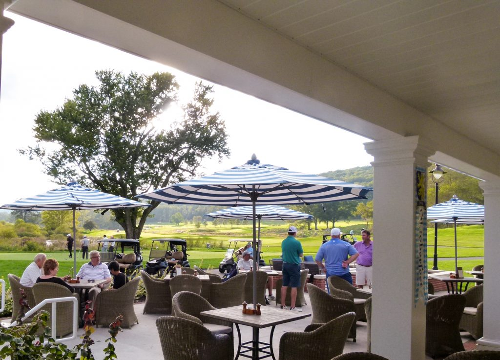 Dining on the outdoor patio at Tilllie's at the clubhouse.