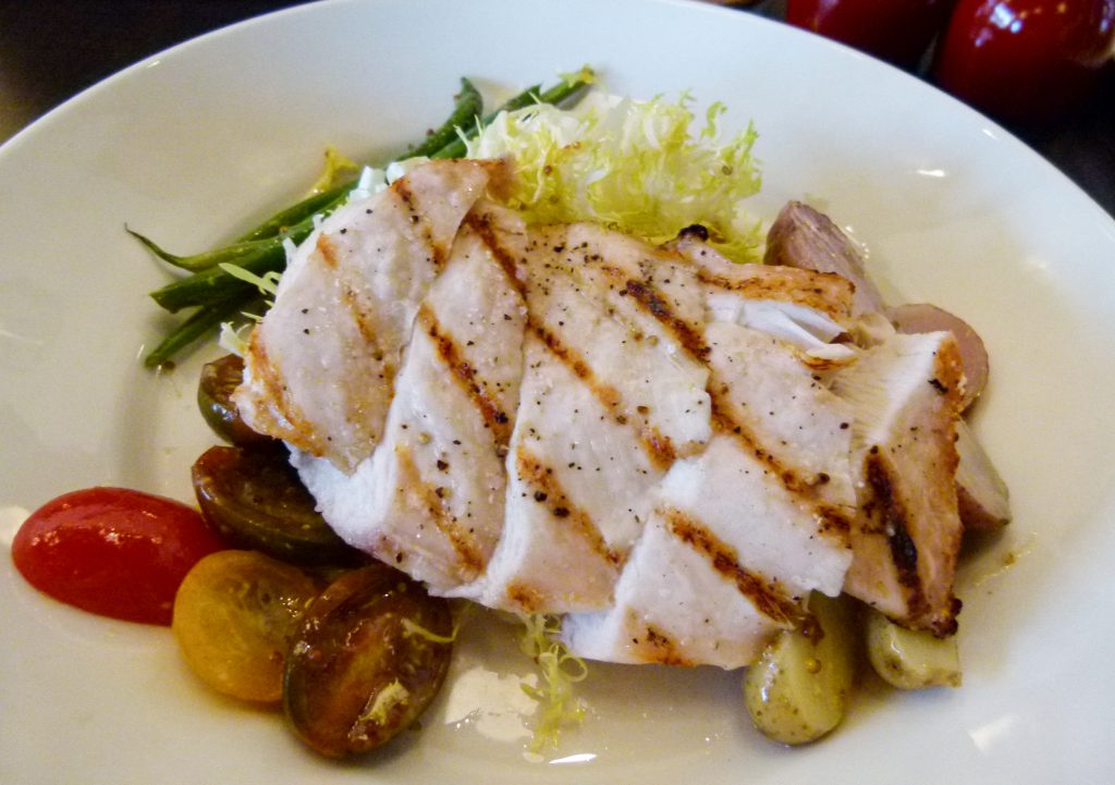 Grilled chicken lunchtime entree.