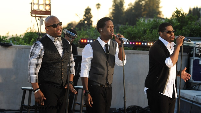 Boyz II Men performing on Walmart Soundcheck in 2011. (photo: Wikipedia and Lunchbox LP)