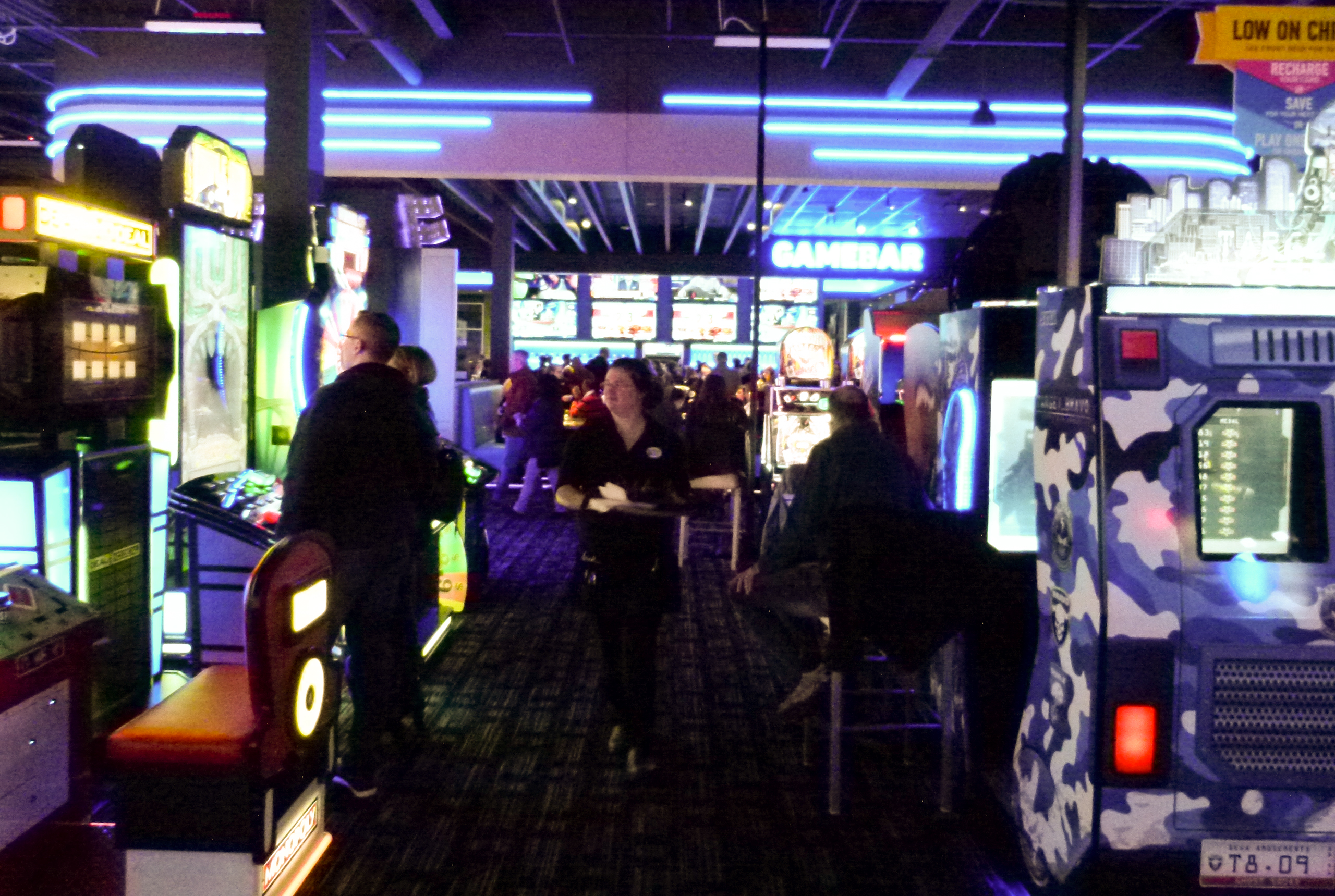 Dave and Busters Northway-004