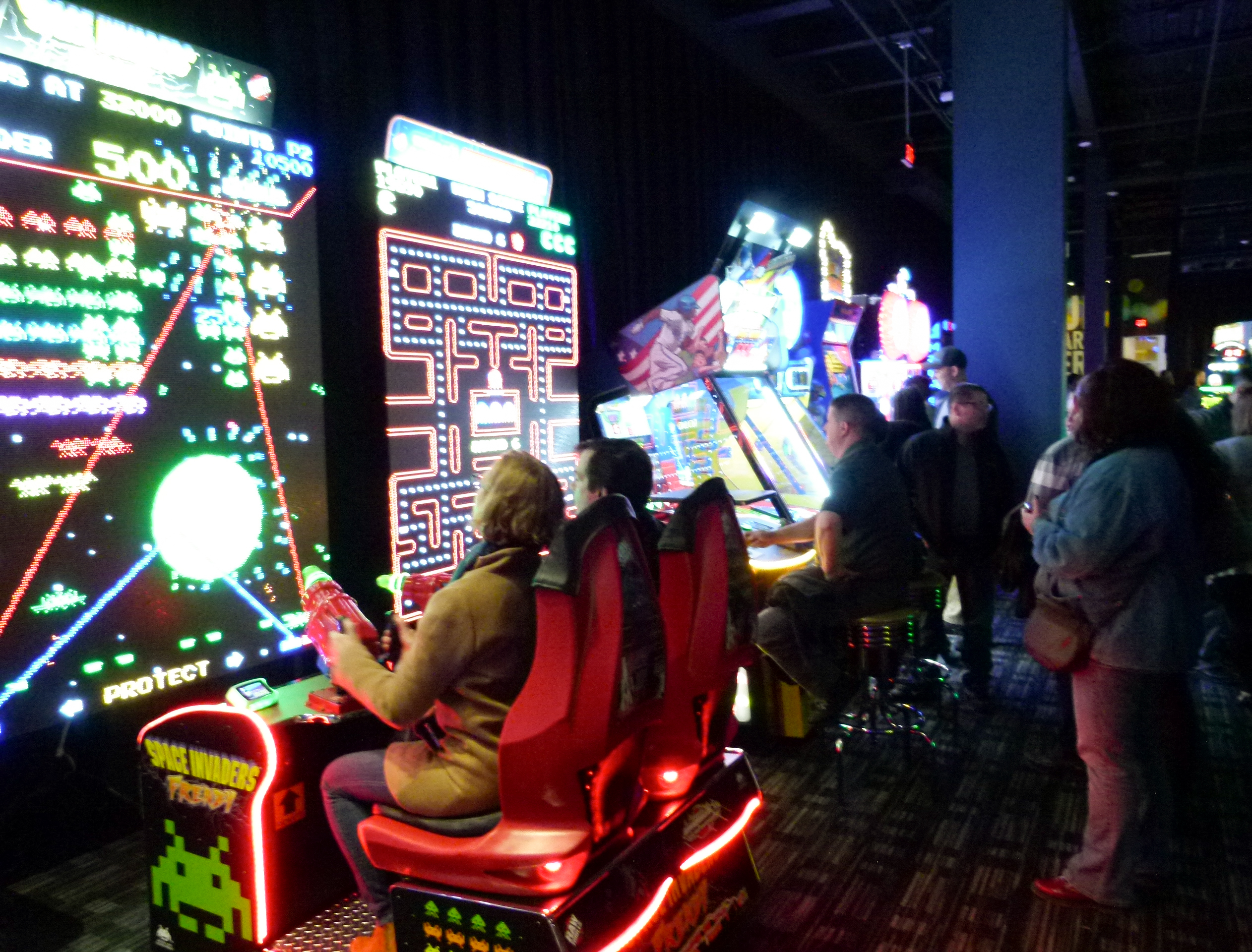 Dave and Busters Northway-007