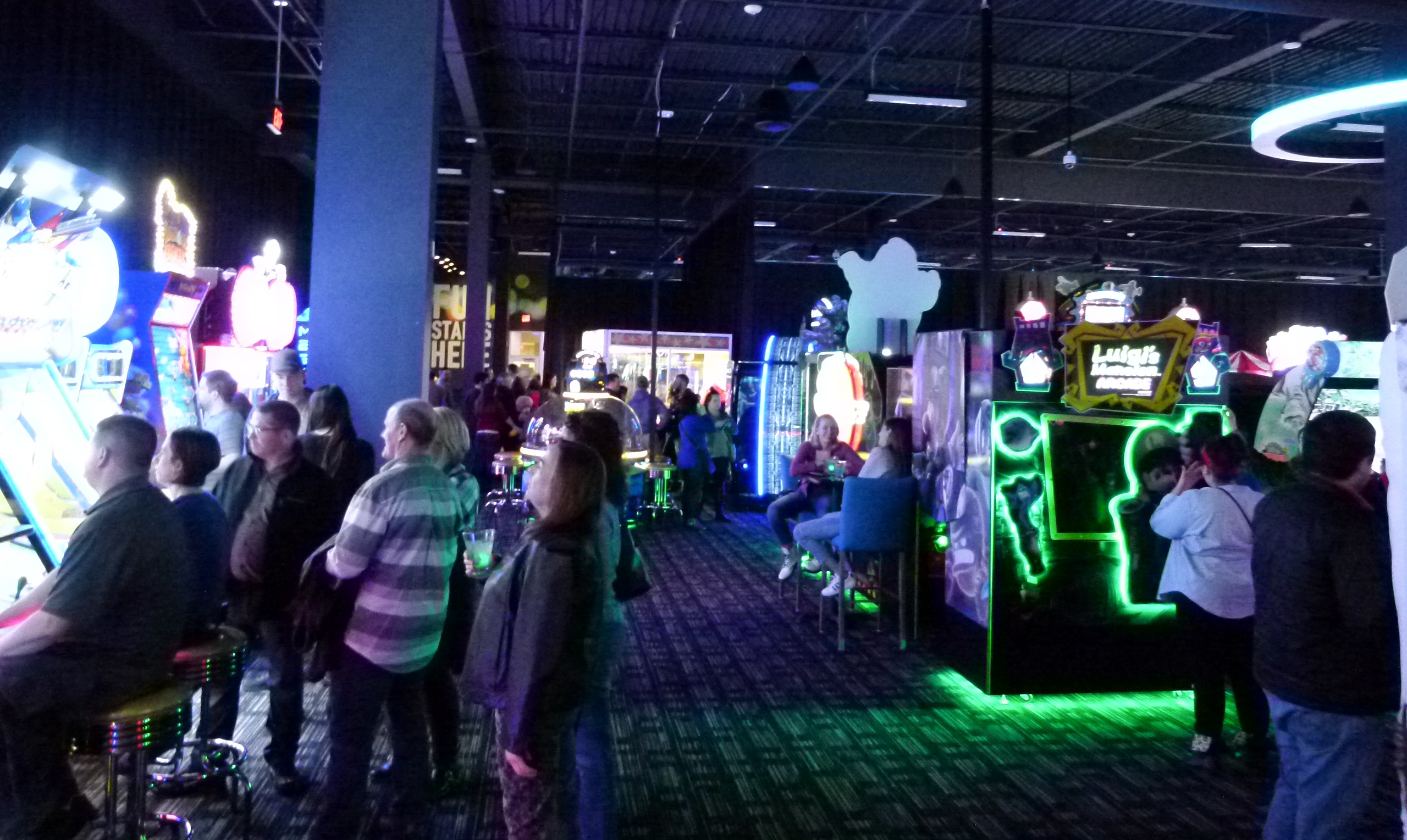 Dave and Busters Northway-008