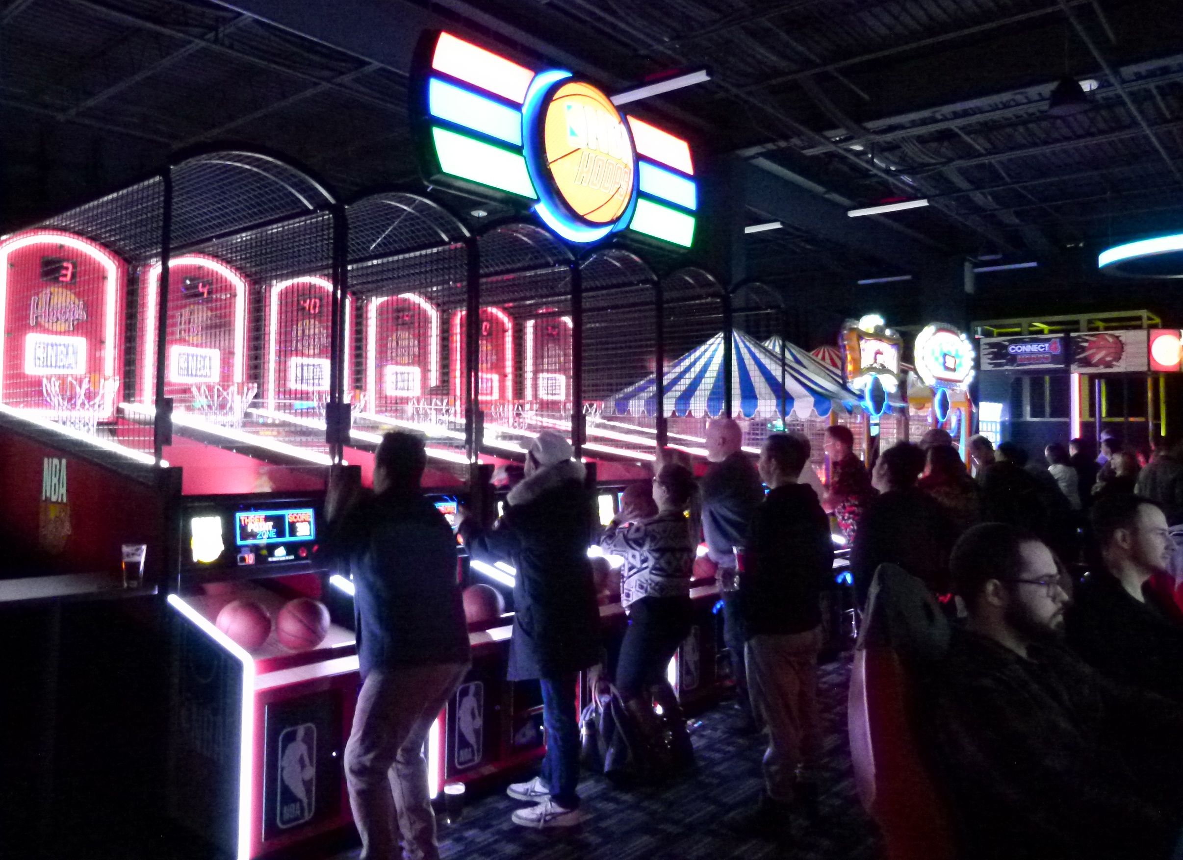 Dave and Busters Northway-010