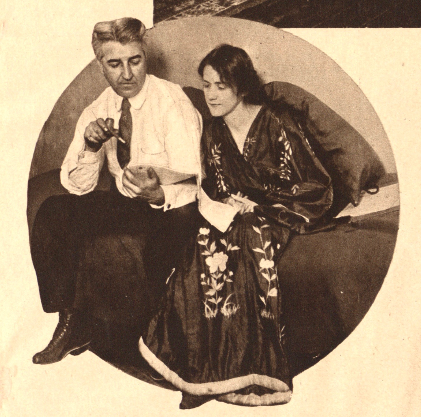 Susan Glaspell, posed here with her husband and colleague George Cram Cook, helped to blaze new directions in American theater. (photo: Paul Thompson for the New York Tribune, 1917)