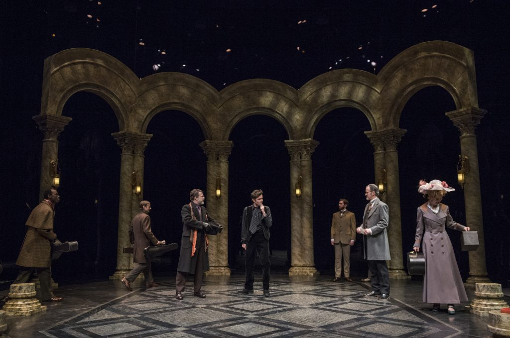 Hamlet speaks with the theatrical troupe as they enter the castle.
