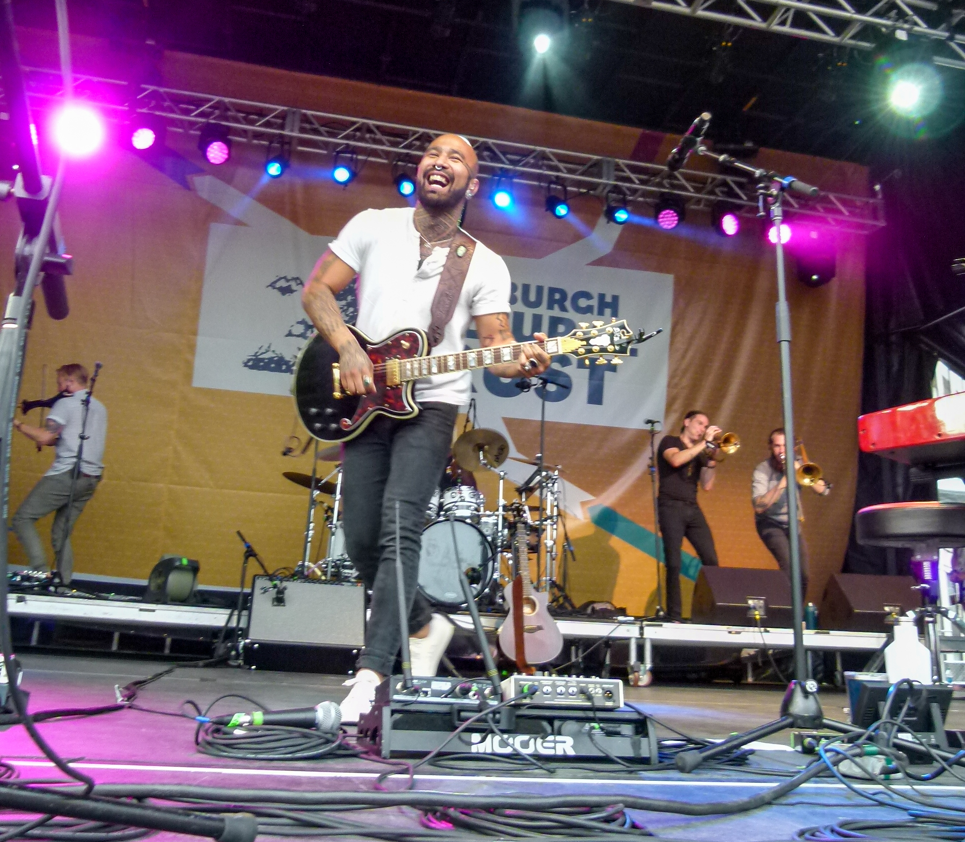 Nahko and Medicine for the People-039