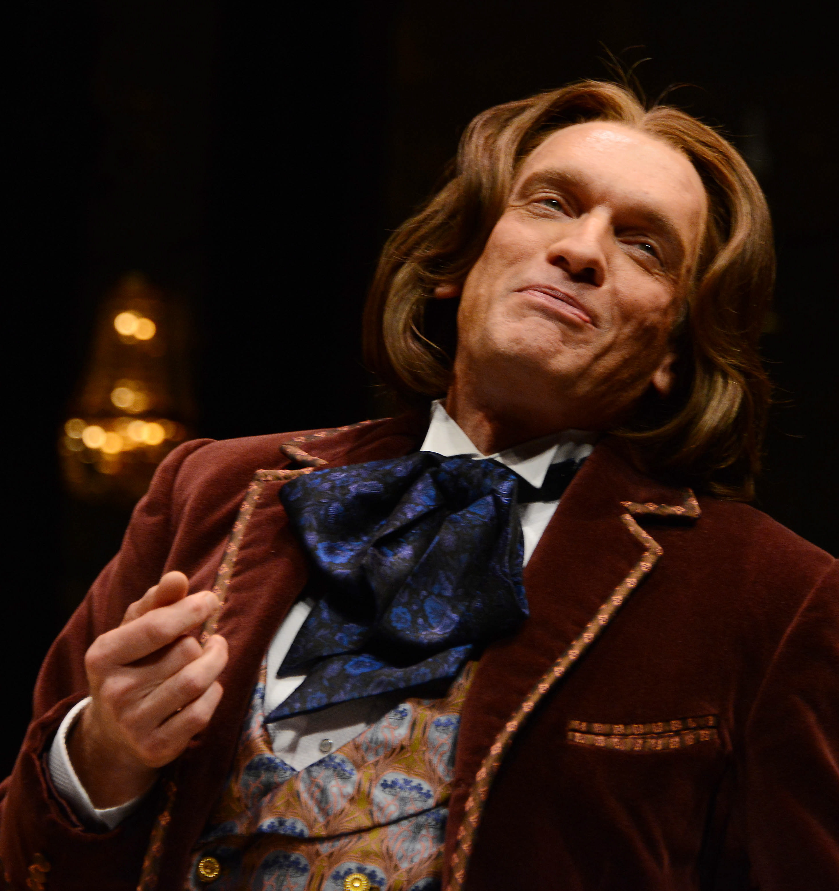 Brent Harris looks, walks, and talks like Oscar Wilde. But he doesn't quack.