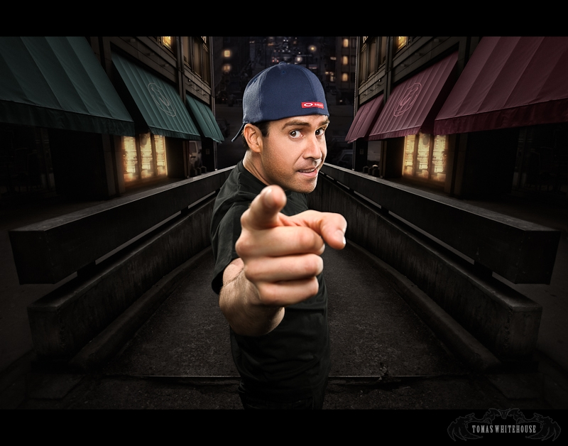 Pablo Francisco wants you, to come and enjoy his show.