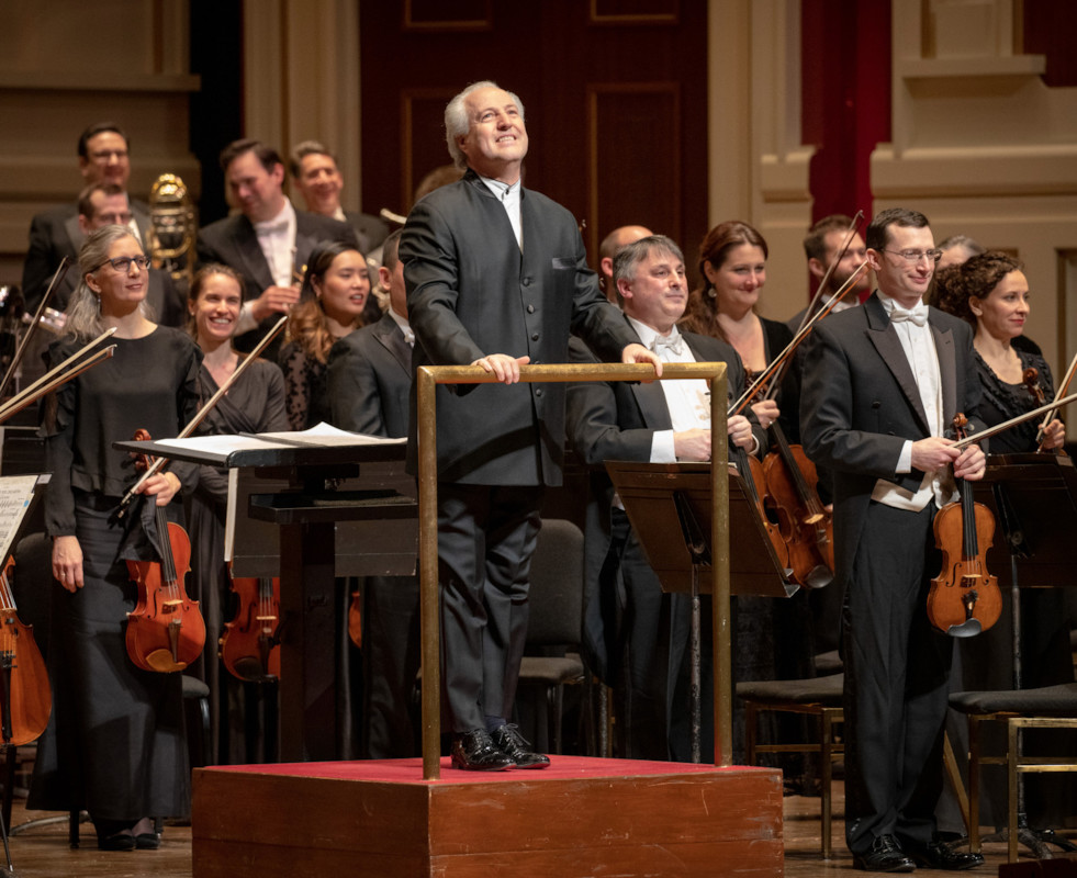 Conductor Manfred Honeck and the Pittsburgh Symphony Orchestra perform a preview of pieces from their upcoming season on Friday night. (photo: Pittsburgh Symphony Orchestra).