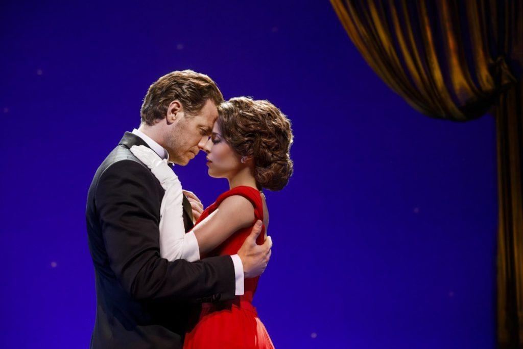 A romantic moment from 'Pretty Woman: The Musical.' (photo: Morris Mac Matzen)