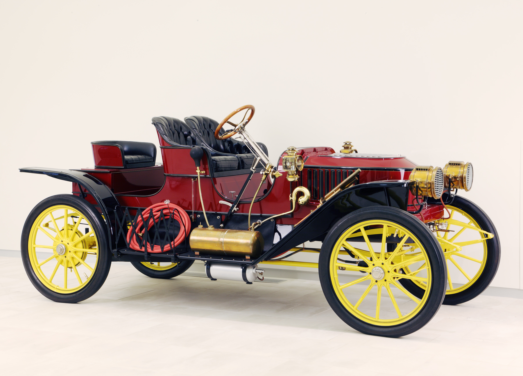 Futuristic vision from the past: a 1909 Stanley Steamer.
