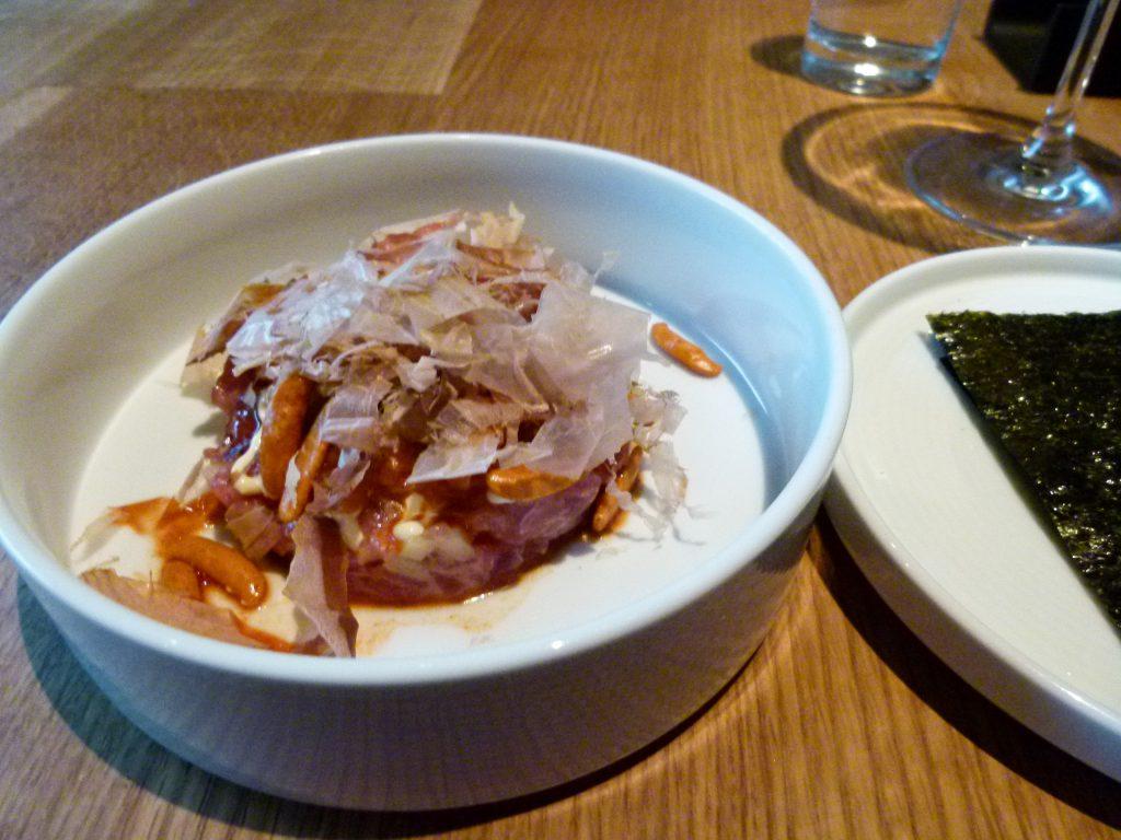 Tartare (tuna) with nori.