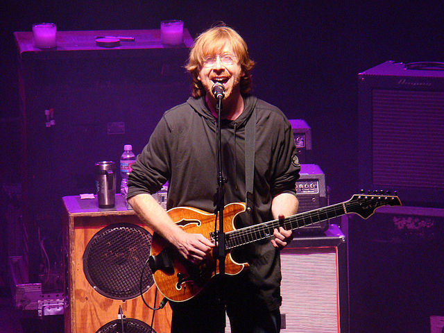 Trey Anastasio performing with Phish at Red Rocks Amphitheater in Colorado 2009. Photo: Dan Shinneman and Wikipedia.