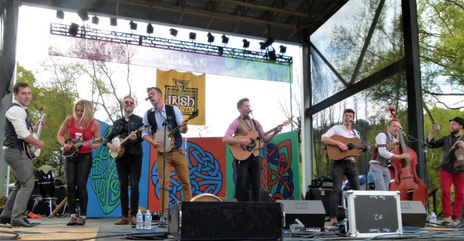 We Banjo 3 and performers from other groups jamming together at 2015 Pittsburgh Irish Festival. (photo: Rick Handler)